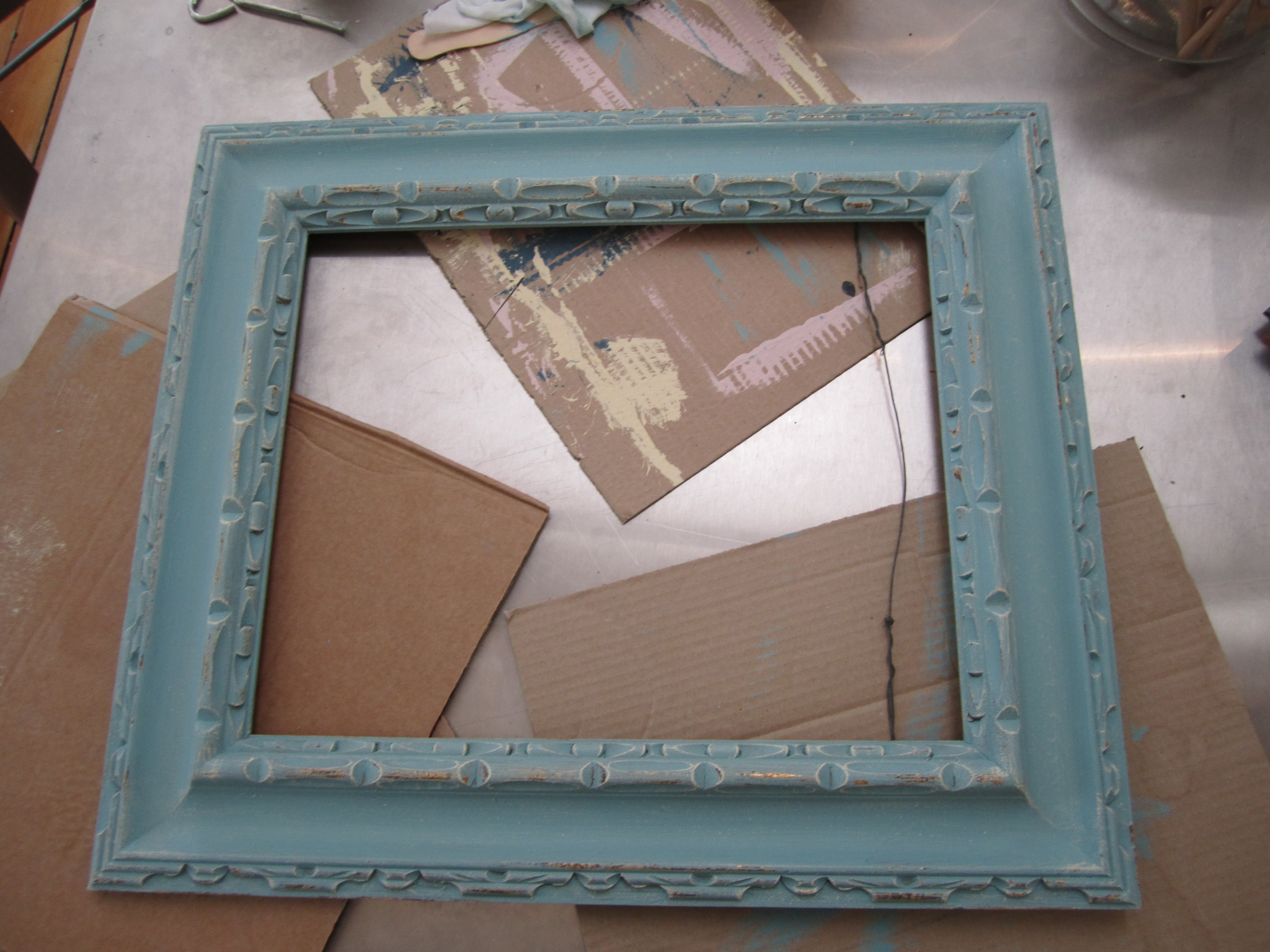 Before and after picture frame i applied annie sloans 2 step craqueleur over the dry surface to give the frame some interesting texture janet from the empty nest blog gives a wonderful jeuxipadfo Image collections
